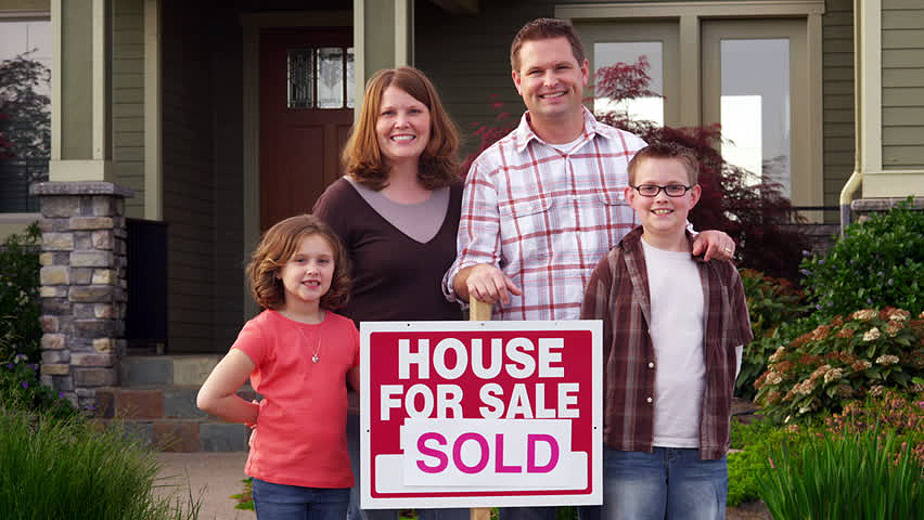 bozeman-family-happy-sell-house-fast